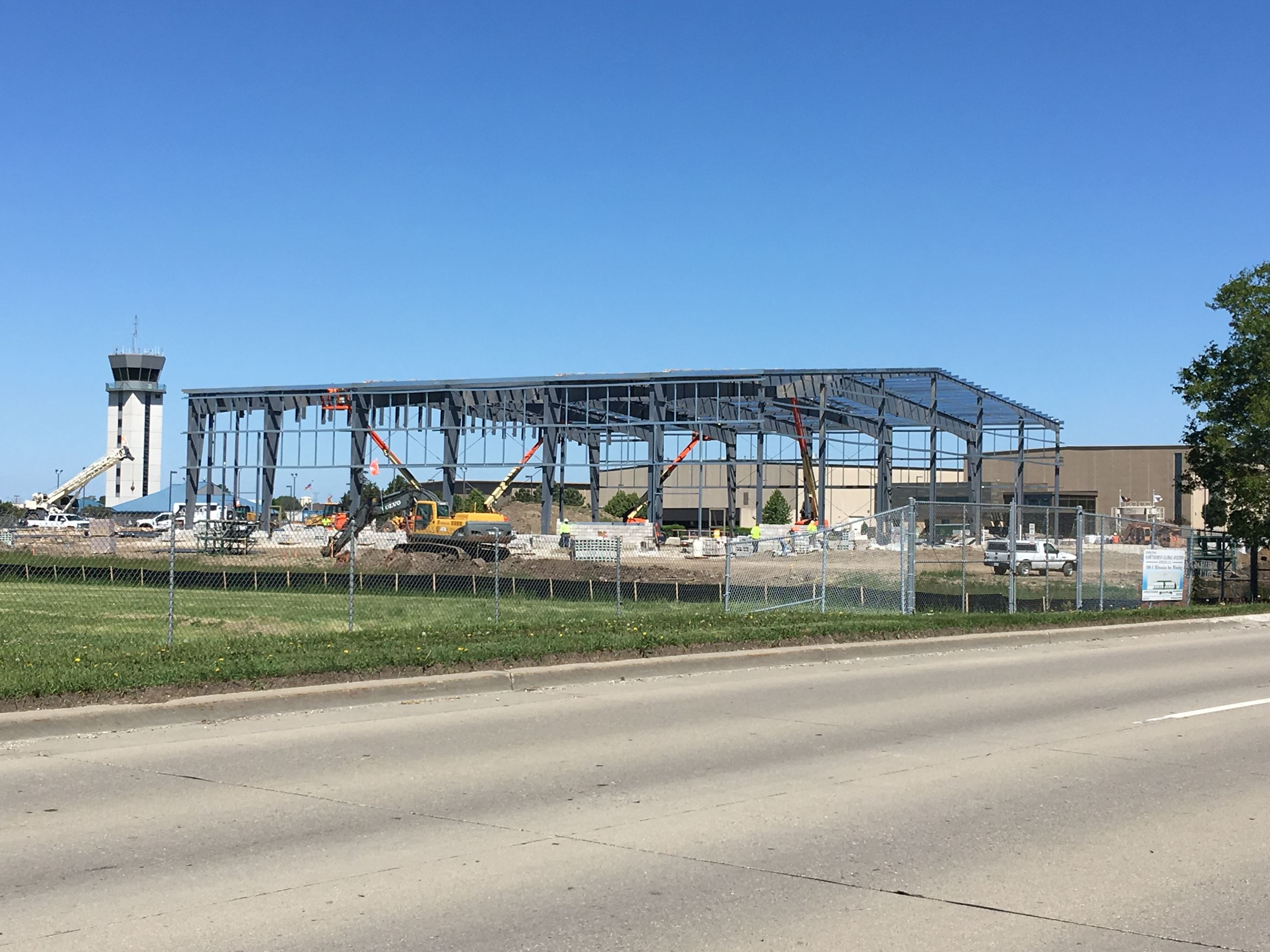 Hawthorne Aviation - Hangar Construction 6-4-18